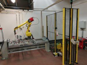 Full robot welding cell
